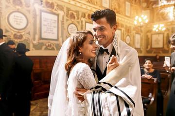 Еврейские знакомства и язык тела: 5 признаков того, что у вас будет второе свидание